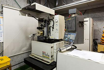 ファナックα1[B] ワイヤーカット 放電加工機