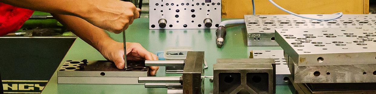金属焼結・鋳造からプレス加工への工法転換イメージ